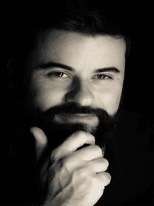 Matheo-Benoit est un Medium et Clairvoyant qui s inscrit dans le monde  progressiste des arts divinatoires. d1544cb1d47e